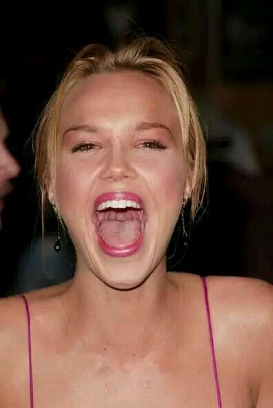 张嘴大笑的漂亮女生,女人图片_表情大全
