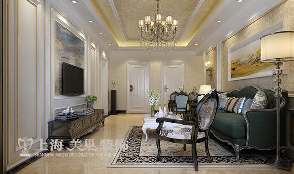 护墙板软硬结合,一公分金色不锈钢条的运用恰到好处的装饰了沙发背景图片