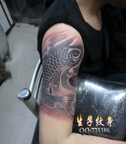 富贵鲤鱼纹身小腿分享展示图片