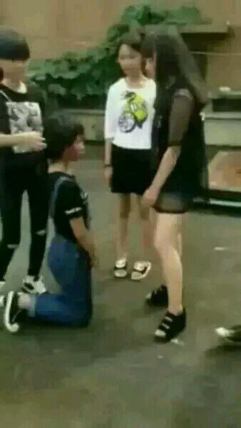 这个女生打架视频怎么搜啊叫什