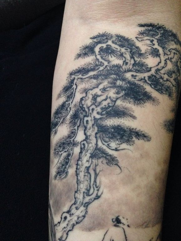 一个关于中国风山水的纹身小作品 (580x773)图片