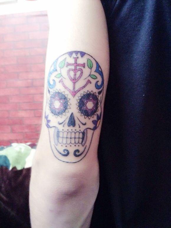 纹身图案 包臂花纹身手稿 > 性感火辣美女个性纹身图案  性感火辣美女图片