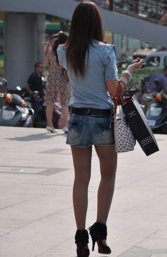丝袜美腿街拍图片_街拍控_小宋佳_2013夏季街拍美腿