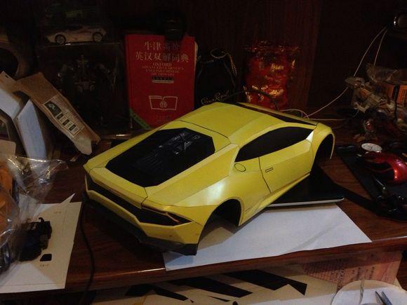 兰博基尼飓风跑车纸模型放大版本 进度贴 高清图片