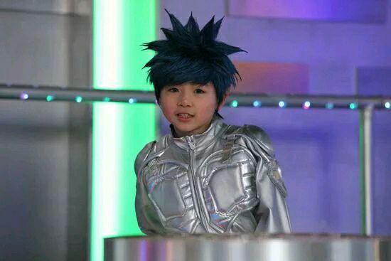 最终在2000多名孩子中拔得头筹,被定为儿童剧《星际精灵蓝多多》出演