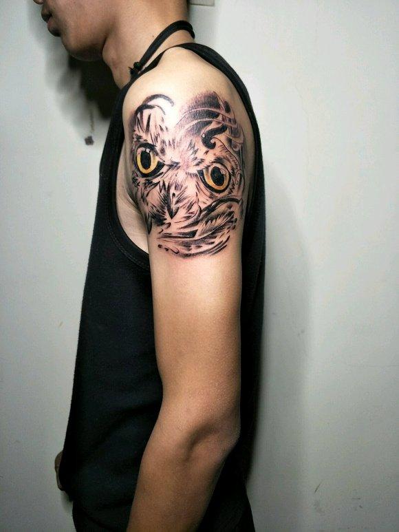 回复:男朋友是纹身师图片