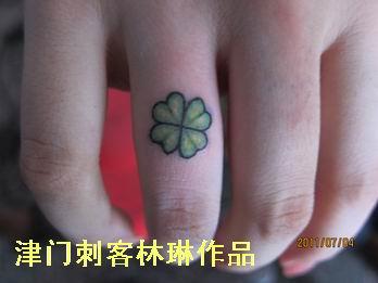 女生手指心形纹身小图案分享展示图片