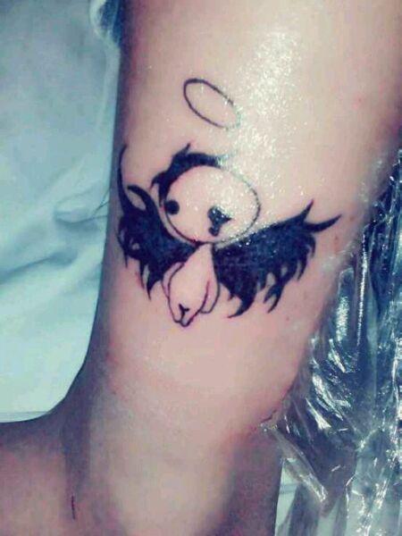 后背潮流很帅是天使与恶魔翅膀纹_纹身图案图片