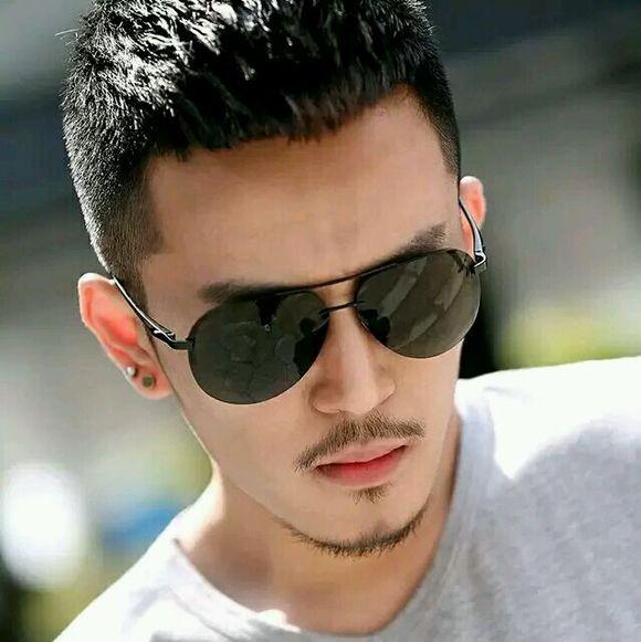 男士短发发型名字:低调不张扬的图片