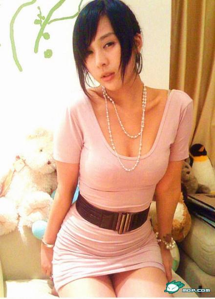 照片上的这位美女是08年猫扑第一网络美女蚊子静