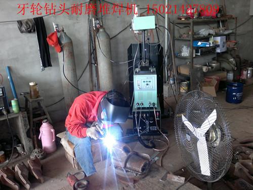 等离子粉末喷焊机,专业喷焊水冷壁,喷焊结合度高,永不图片