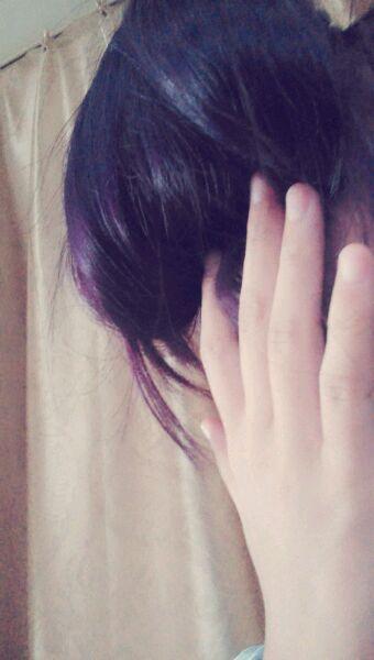 漂过头发.紫色掉成红色.上色时间不长,怎么才能换个颜色.图片