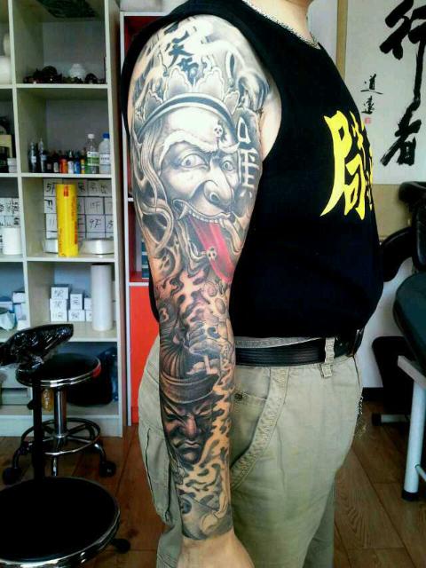 请问 黑白无常纹身纹其中一个可以吗图片