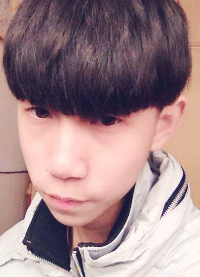 男生齐刘海发型图片清爽迷人图片