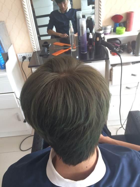 闷青亚麻头发图片男_闷青亚麻头发图片男分享展示图片图片