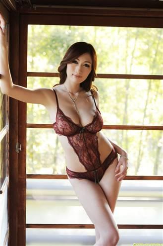 第10名:京香julia 对于那些资深的ly来说肯定很熟悉这个