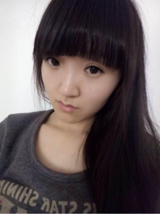 齐刘海的帅哥美女戳进来图片图片