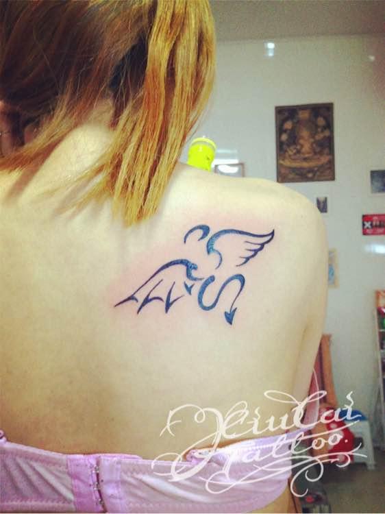 今天的小恶魔翅膀图片