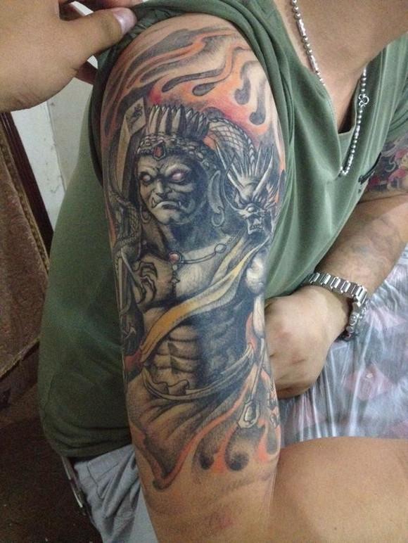 纹身图案 虞姬七分臂纹身 > 男生手臂般若七分袖纹身 男生手臂般若七图片