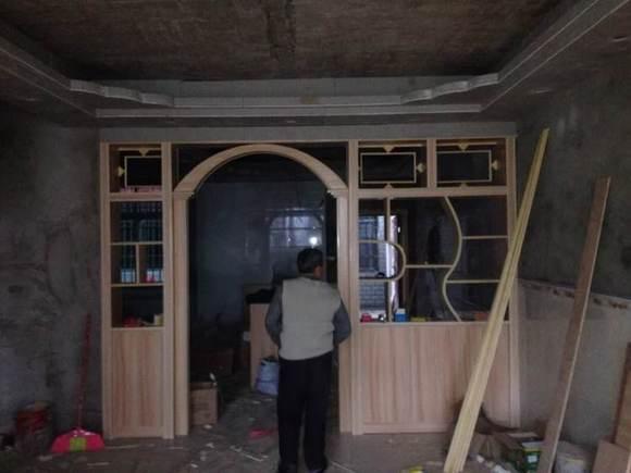 有需要木工室内装修吗,订做免漆板做衣柜,电脑桌,吊柜,酒柜,电视墙图片