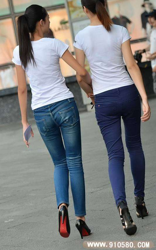 av丝袜天堂_昆明大剧院街拍牛仔裤妹妹-美丝天堂,街拍丝袜,街.