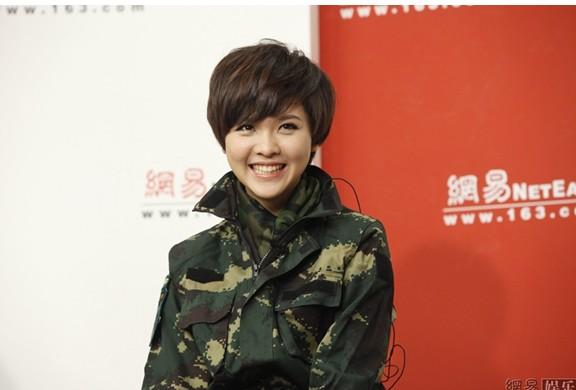 女兵发型要求标准 短发发型展现图片