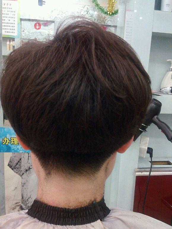 短发后面造型图片