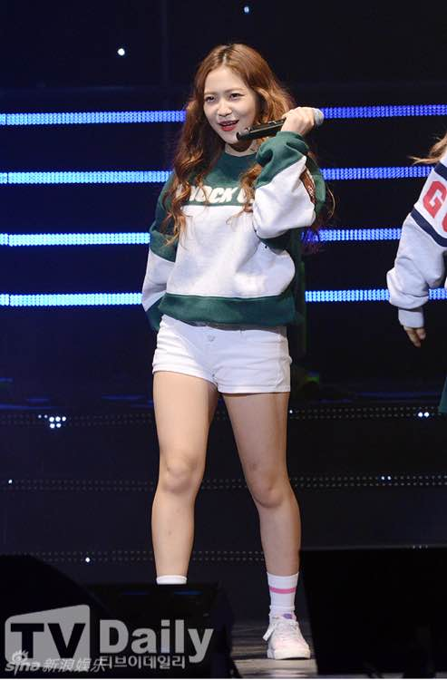 韩女团零下12度光腿