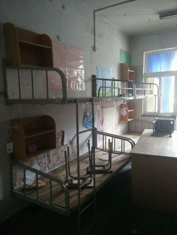 求滢五宿舍内部图_青岛大学吧_百度贴吧图片