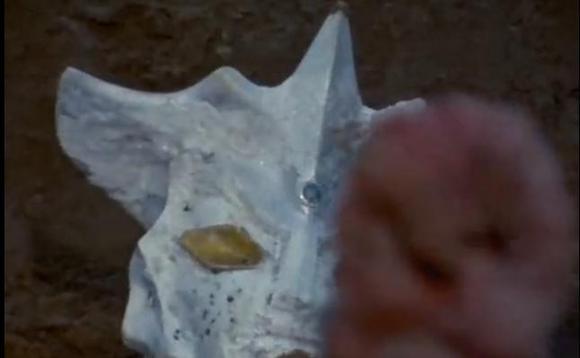 尤莉安奥特曼之死视频