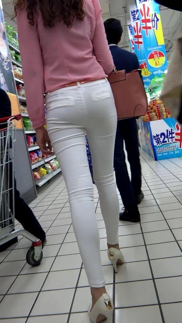 白色紧身裤百度