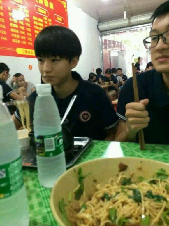 惠州八中校服图片内容|惠州八中校服图片图片