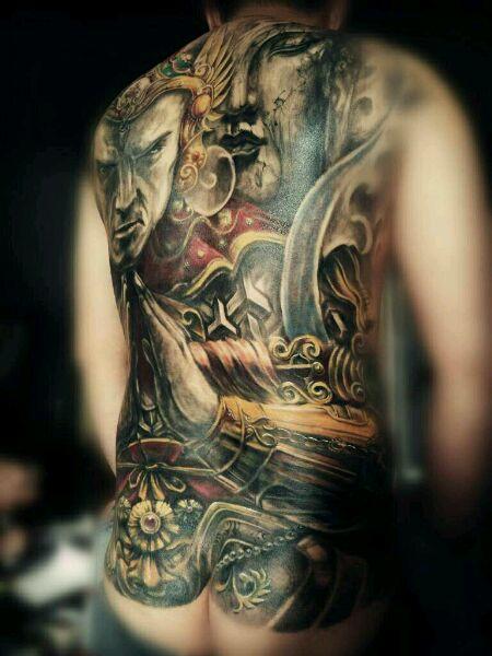 满背韦陀纹身 福州战神纹身 (450x600)-与昙花纹身图案图片