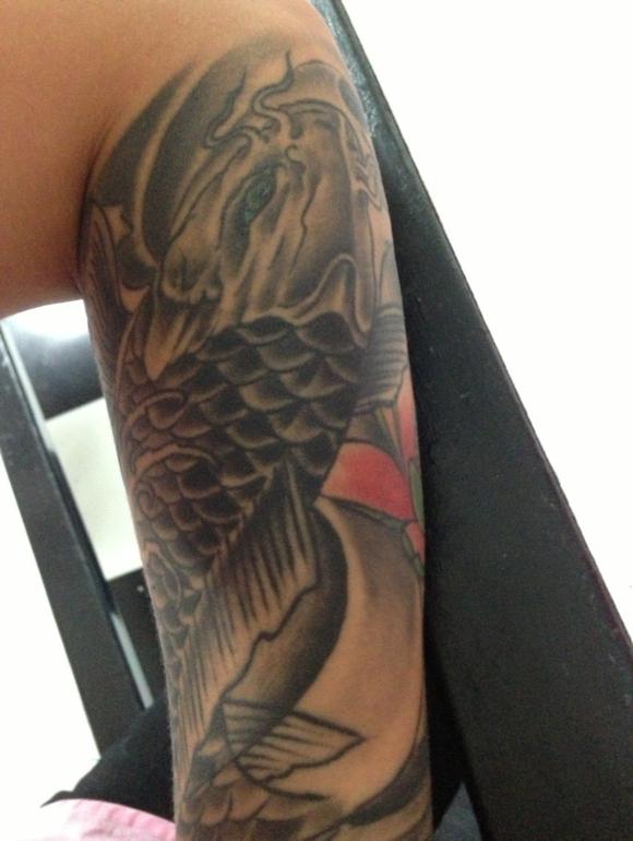 求花旦手稿 本人想做花臂 本人小臂有鲤鱼纹身图片