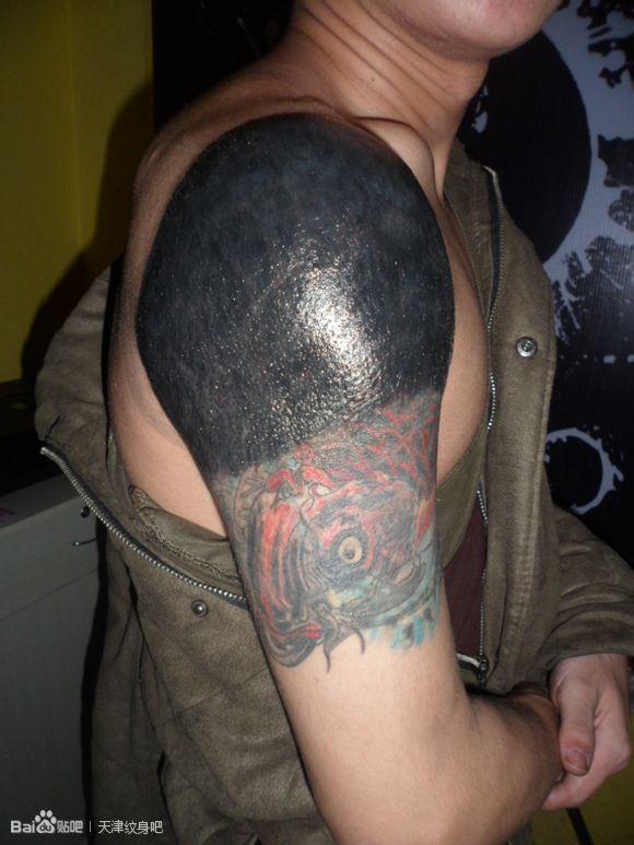 纯黑花臂纹身图案大全展示图片