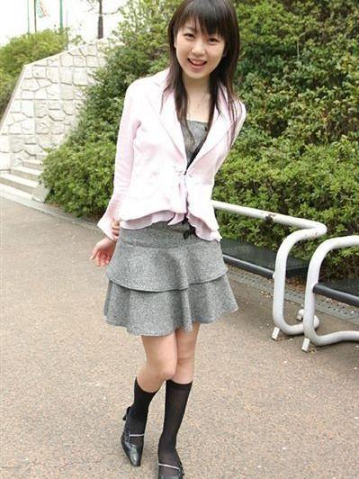 日本姑娘不穿衣图片