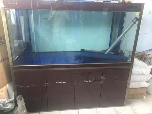 自用三天新款森森1.8米鱼缸,特价处理!图片