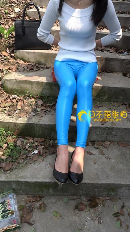 帆布鞋配短袜女生图片