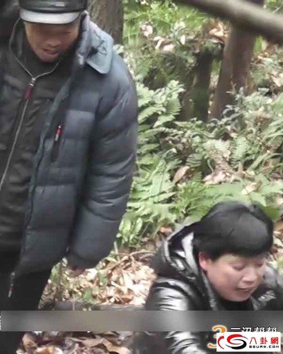 树林老头系列视频影片_这个大爷太不知羞耻:树林老头少妇肮脏交易全程()转图片