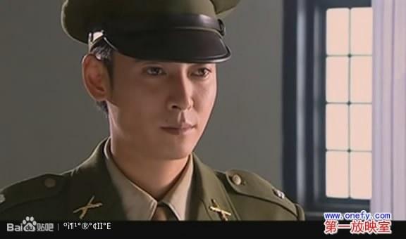 后来又看到了《江阴要塞》,国民党军装扮相很帅,演员阵容