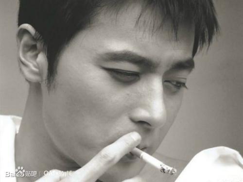 【dg☆图片】130811‖张东健哥吸烟真的狠(很)迷人呀.图片