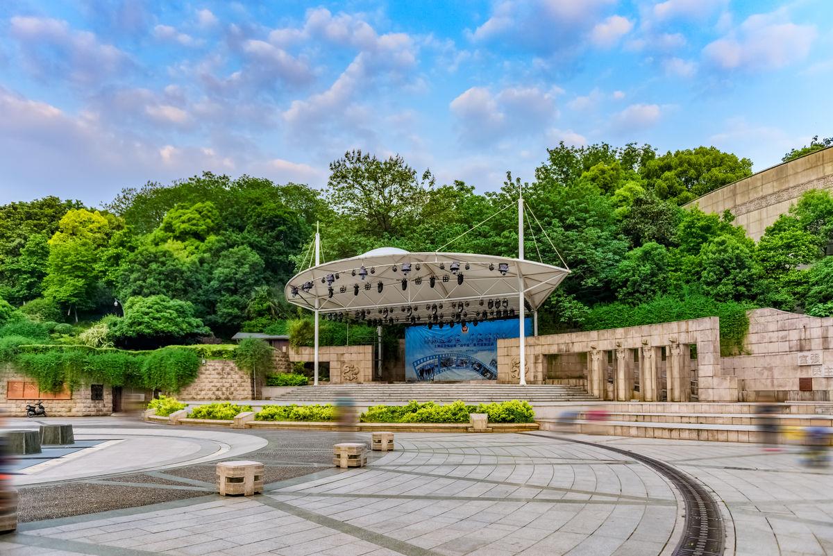 文艺广场,全天候文化舞台,浮雕墙,文化墙,九眼井,古井文化旱喷景观