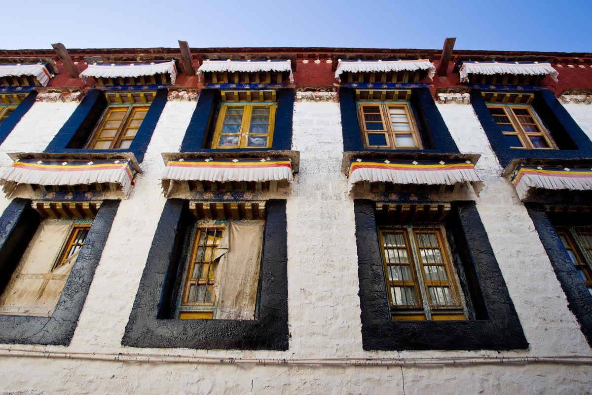 西藏,藏民,住宅,民居,房屋,建筑,拉萨,藏式,居住,寺庙,转经筒,经轮图片