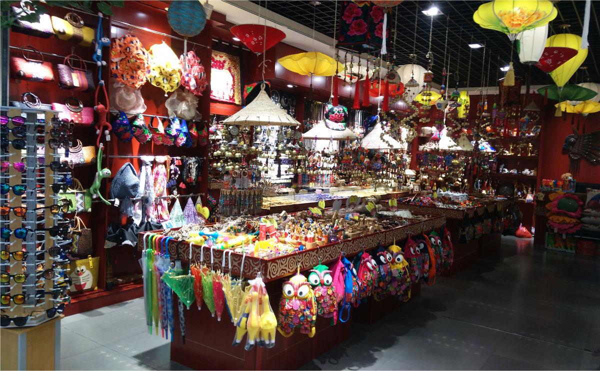 礼品店,精品店,手工艺品店,礼物,装饰品,时尚小屋,店面摆设,饰品摆放图片