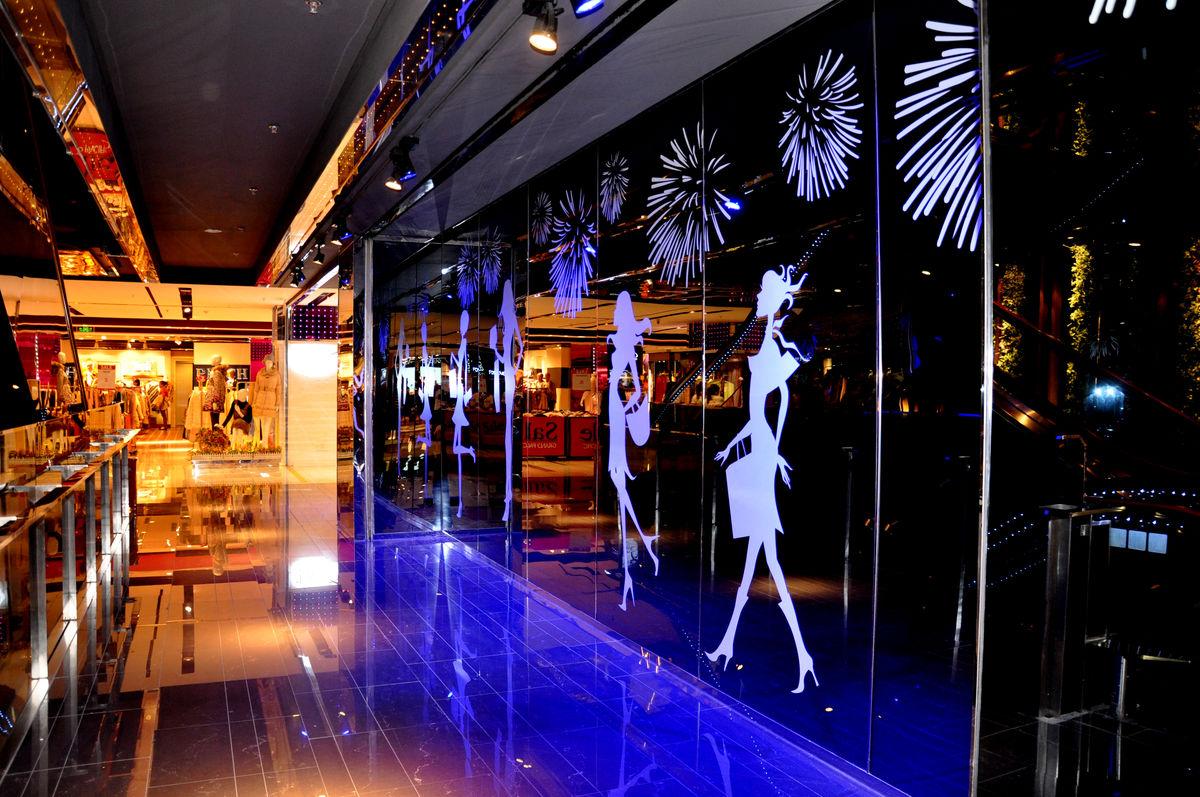 商场,商业素材,灯光,屋顶装饰,地面装饰,地板砖,天花板,灯光布置,墙面图片
