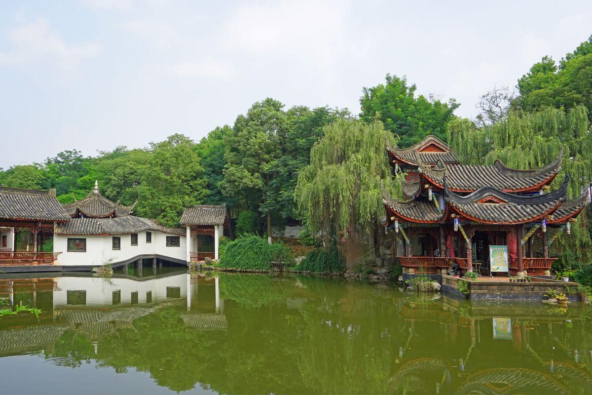 中国古典建筑,水榭亭台,池塘水景,中式建筑,中国传统建筑,中式园林建图片