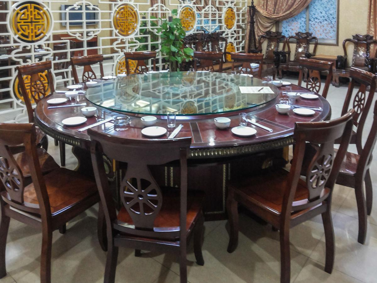餐位,餐具,红木餐桌,红木桌椅,中式餐厅,餐厅包房,包厢,餐具摆设,餐桌图片