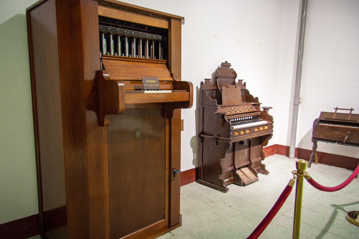 乐器,古董,音乐,古典,典雅,琴键,黑白键,艺术品,老物件,老木板,老式图片