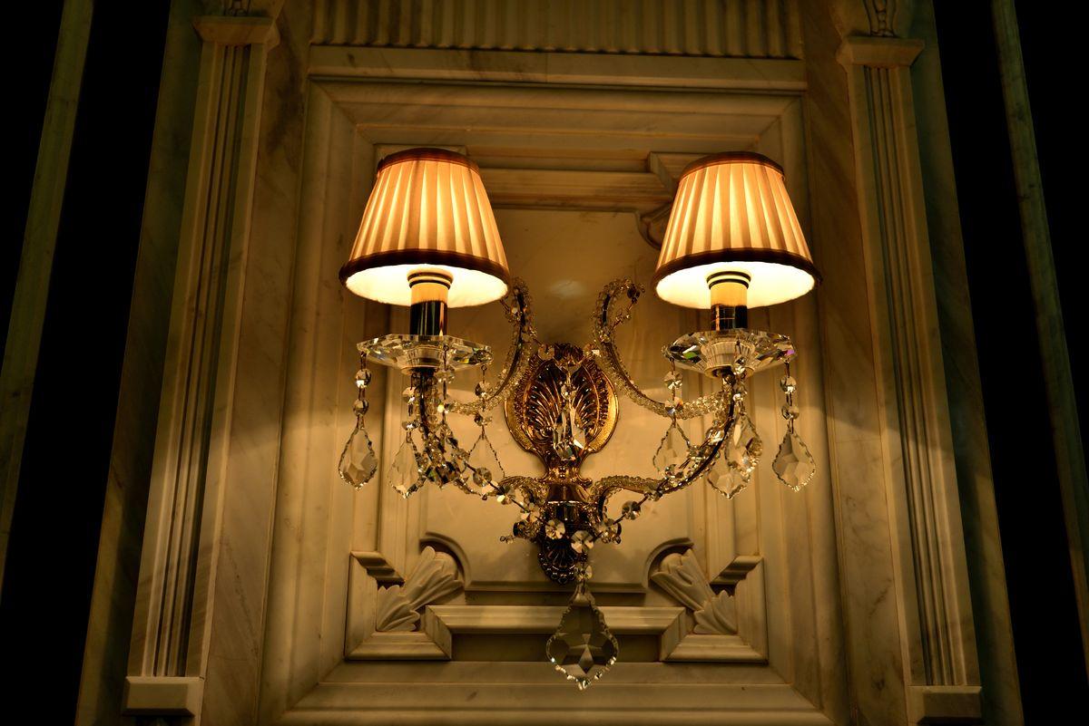 客厅壁灯图片
