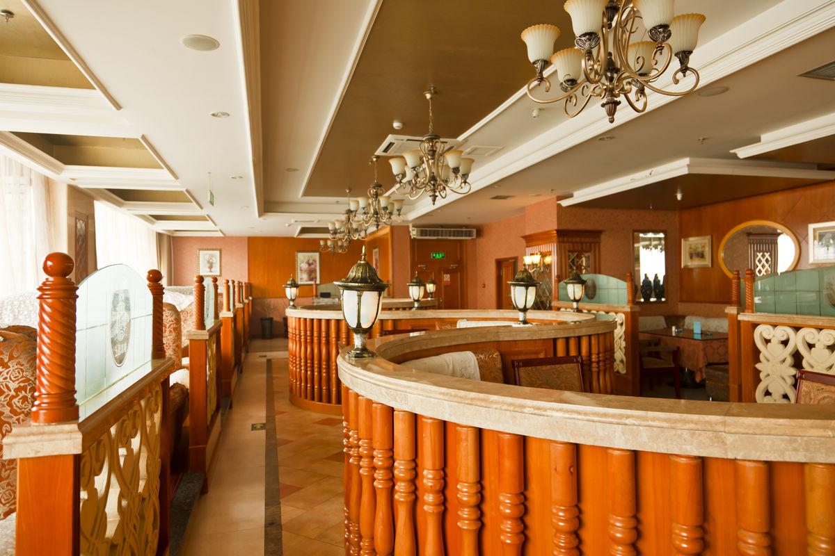 实木装饰,实木吊顶,家具,餐桌,餐椅,商业环境,建筑摄影,咖啡厅图片